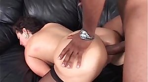 Bosomy MILF in interracial game where