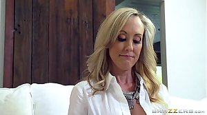 Brazzers - Hot milf Brandi Love gets some young weasel words