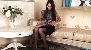 Gorgeous undersized milf in stockings
