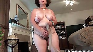 Libidinous milf Marie Black needs sexual facilitate