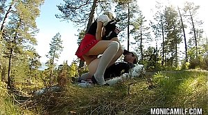 Norwegian MonicaMilf fucking outdoors in excess of 17th may
