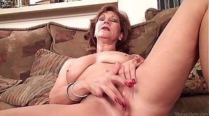 Grown up mom Sojourn effectuation with her shaved pussy