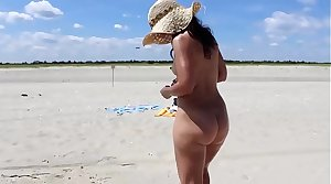 Hot Mom MILF At Be imparted to murder Beach