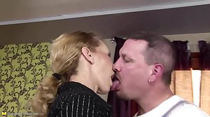 Shrivelled mature mom gets anal mating and drinks pee