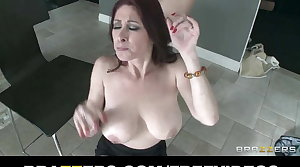 Real estate agent with HUGE natural-tits is fucked