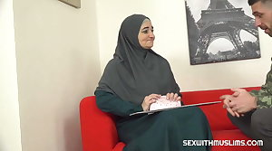 Muslim milf pays be incumbent on service with her congregation